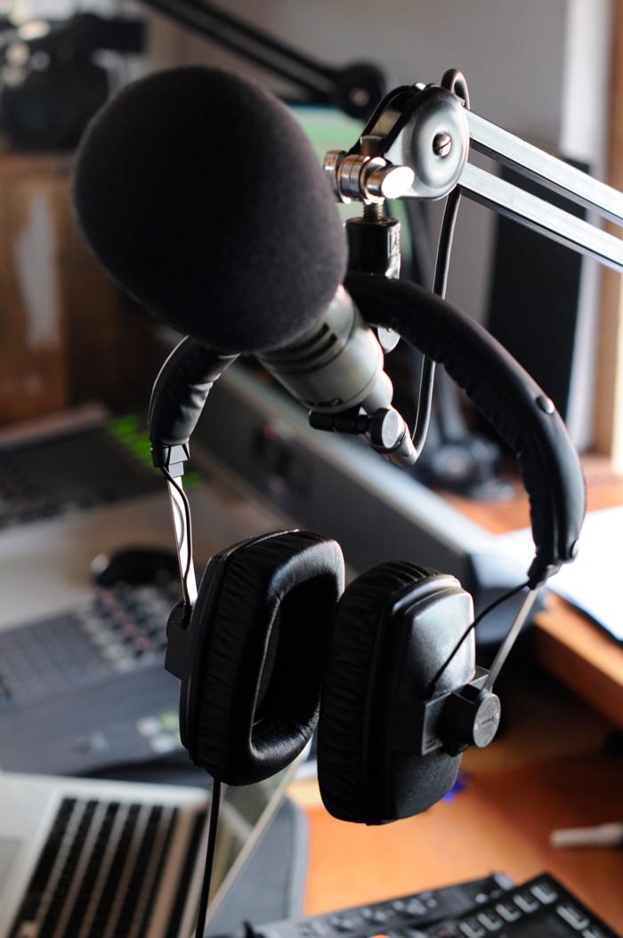 Reprezent headphones on mic